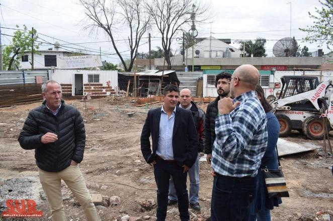 """Fernando Pérez de recorrida en el Hospital """"Mi Pueblo"""" de Florencio Varela"""
