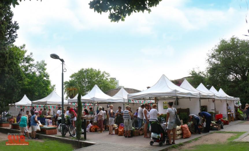 Mercado Vecino contin�a en marzo en la Plaza Rigolleau de Berazategui