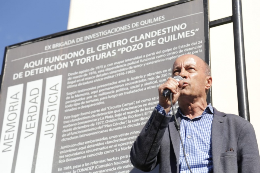 """A 43 años del último golpe de Estado, se realizó un """"siluetazo"""" en memoria de los desaparecidos"""