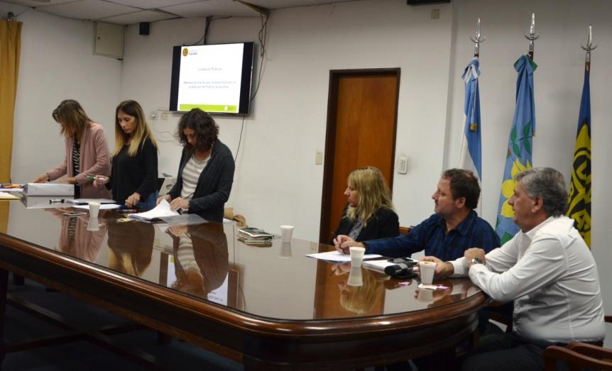 La Provincia licit� trabajos viales para el Acceso de Villa Itat�