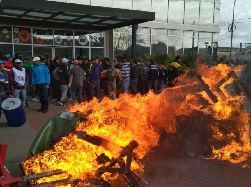 Carreros movilizaron nuevamente a la Municipalidad de Berazategui