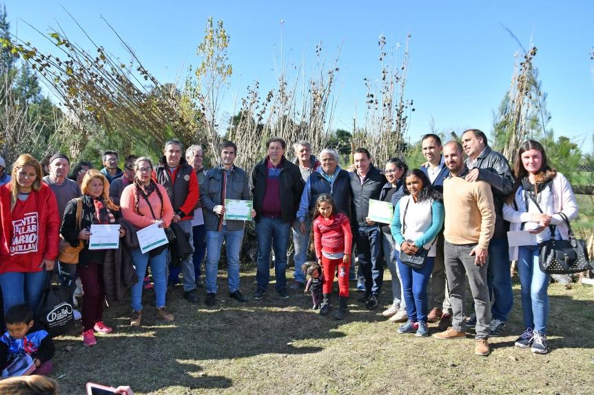 El Municipio de Varela entreg� ejemplares arb�reos de la Unidad Forestal