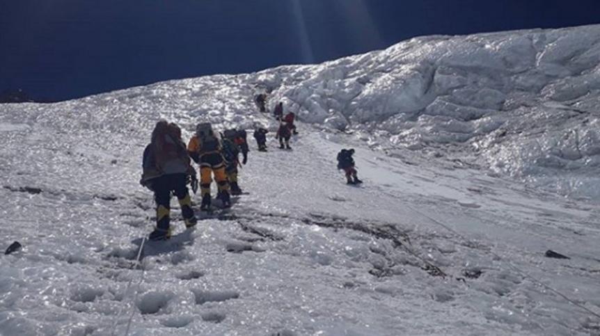 Dram�tico rescate de un argentino en la cima del Everest: ten�a un edema pulmonar