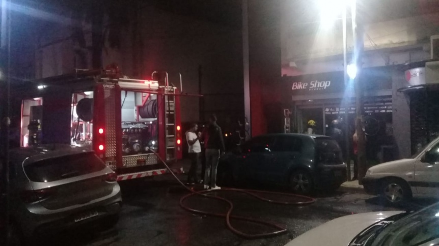 Se incendió una bicicletería en el centro de Bernal