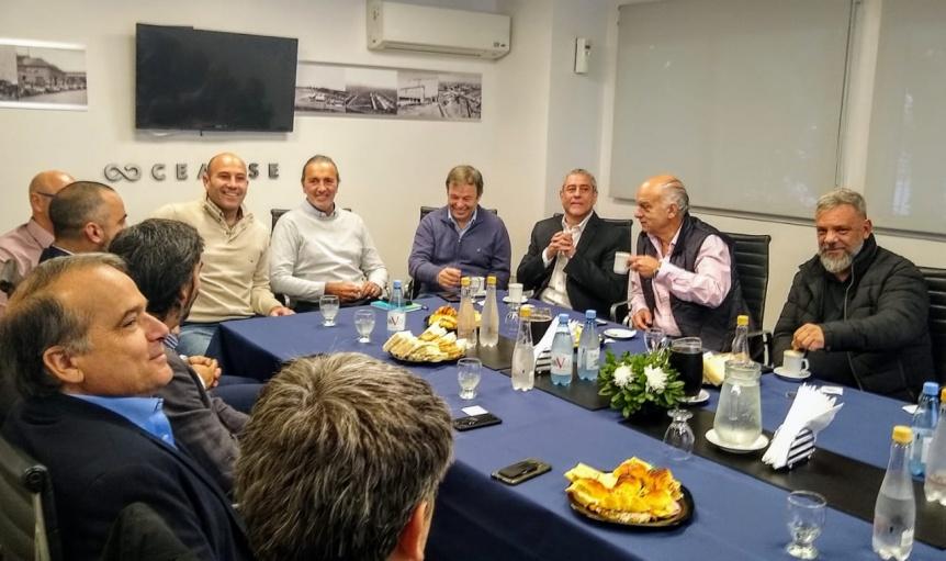 Molina particip� del encuentro de intendentes de la regi�n con autoridades de la CEAMSE