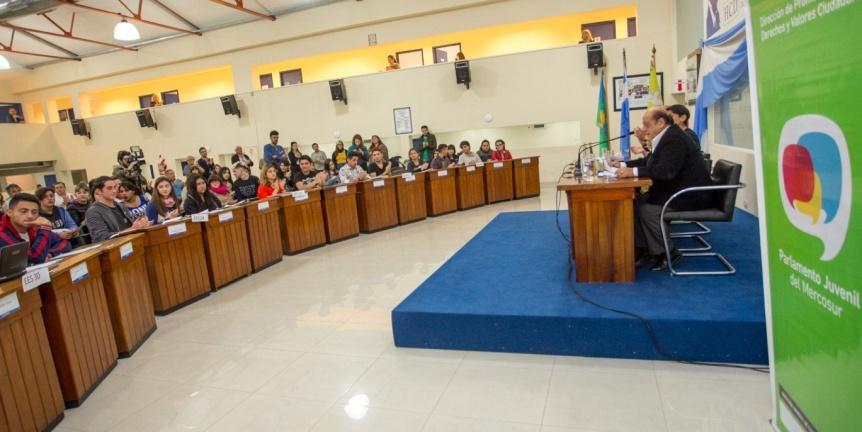 El Parlamento Juvenil del Mercosur sesion� en el Concejo Deliberante de Berazategui
