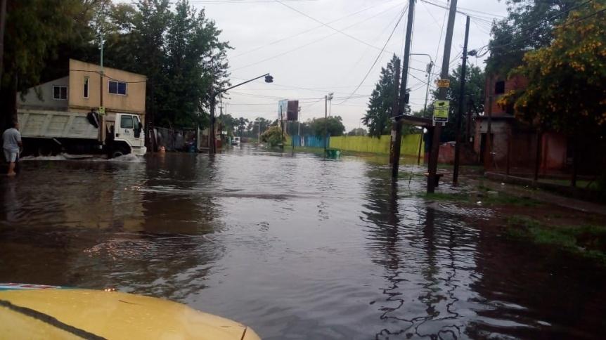 Numerosas zonas afectadas por el temporal y una familia autoevacuada