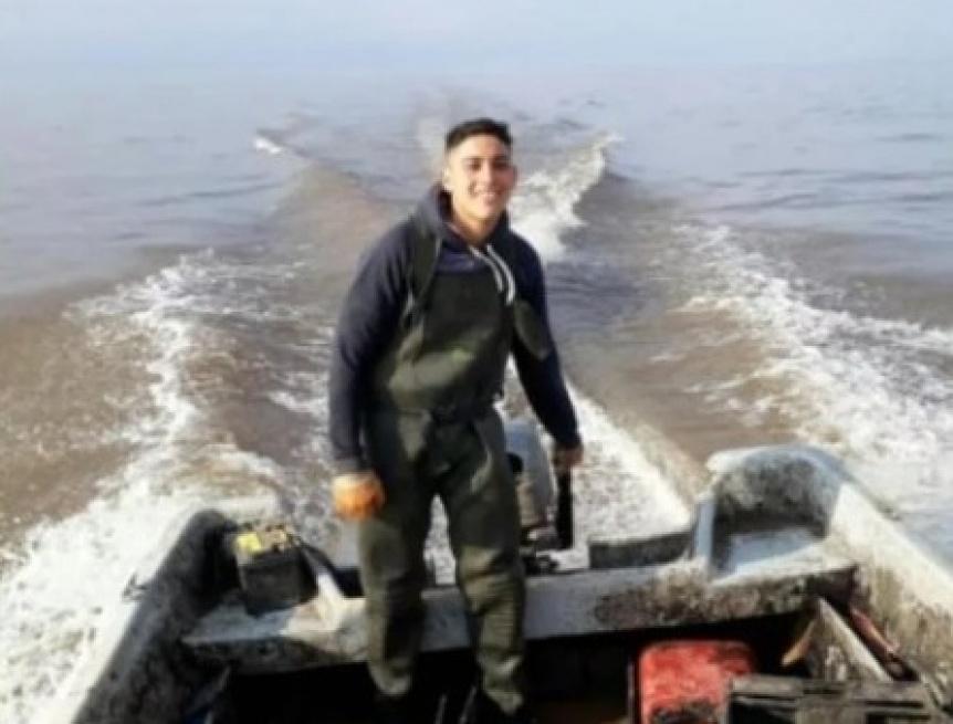 Encontraron el cuerpo de uno de los pescadores perdidos en el R�o de la Plata