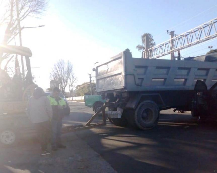 Choque provocó caos de tránsito en la barrera de Laprida