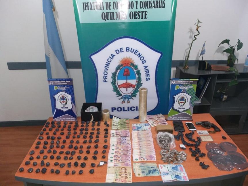 Gran cantidad de drogas y armas incautadas en allanamientos en la Iapi