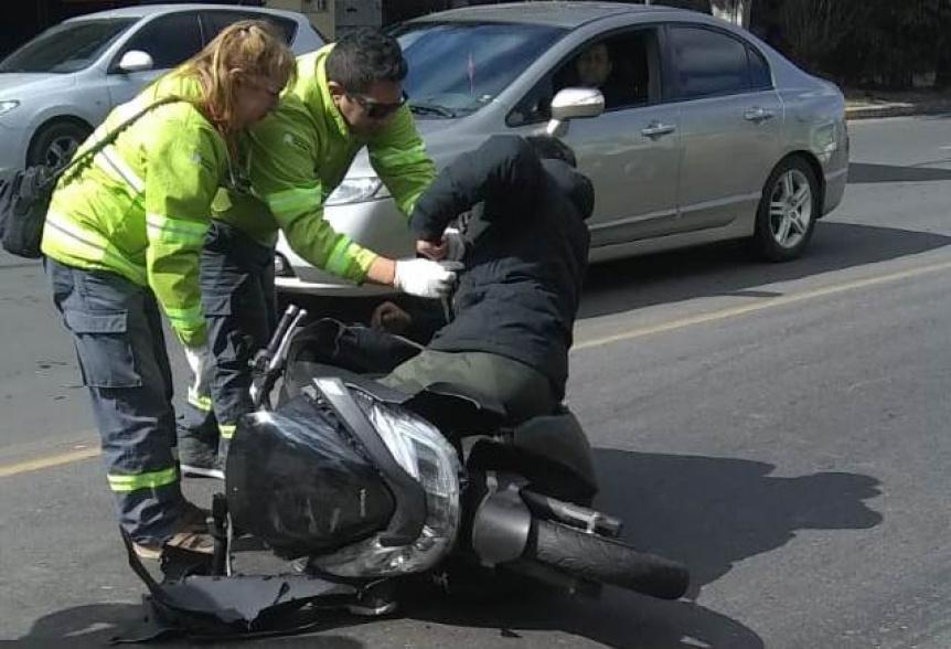 Motociclista herido en accidente en Av. La Plata