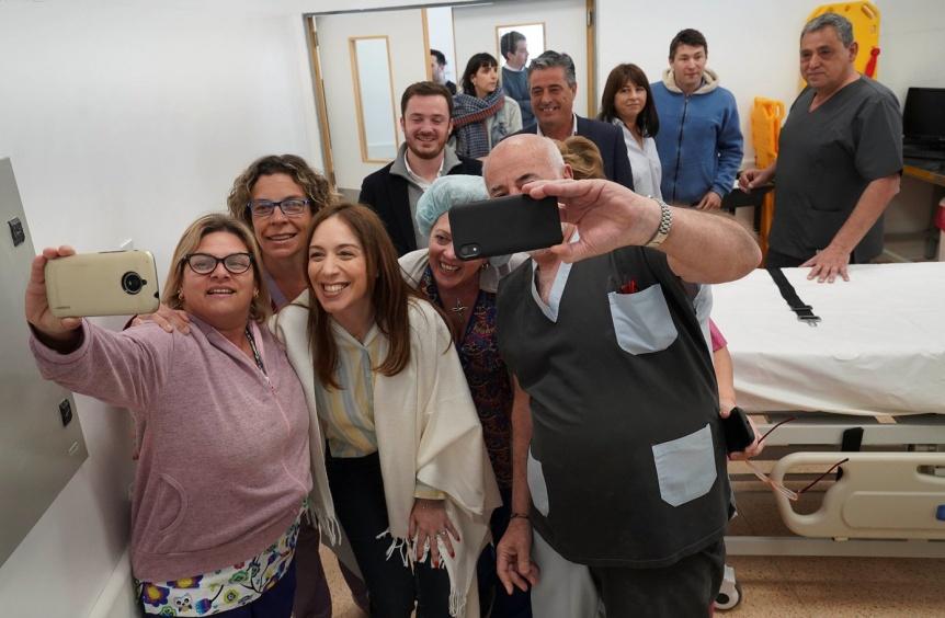 Vidal en Lobos: Recorri� un hospital y dialog� con vecinos