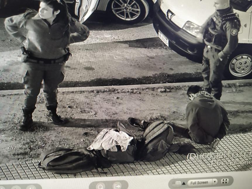 C�maras de seguridad: Un delincuente detenido en Plaza Conesa