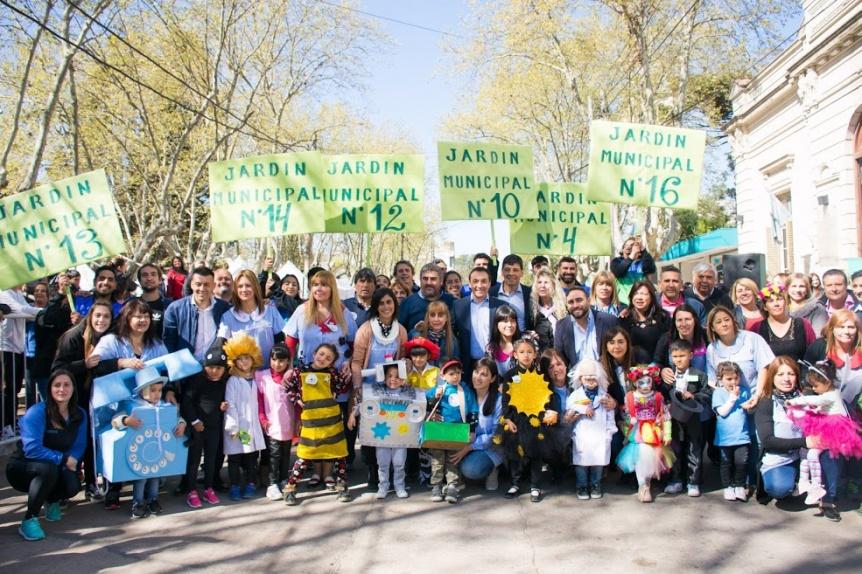 Varela: La educaci�n inicial hizo una gran fiesta en la plaza San Juan Bautista