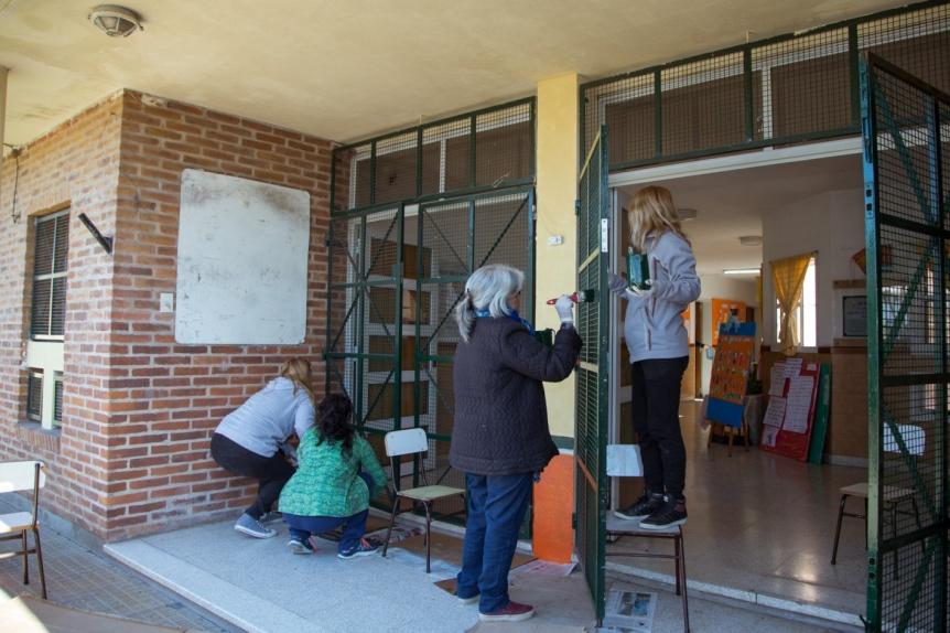 Siguen embelleciendo las escuelas de Berazategui