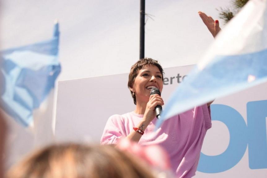 Mayra Mendoza cerró su campaña: