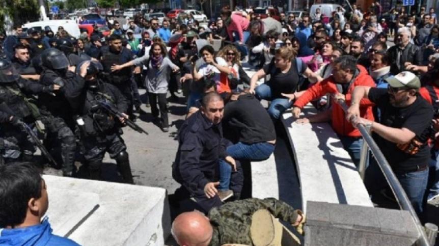 Paro nacional docente tras los incidentes entre docentes y la Polic�a en Chubut