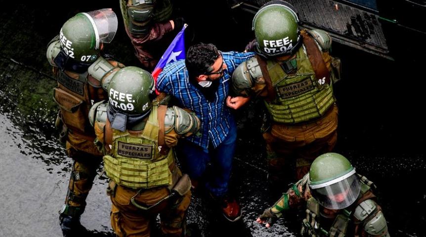 Los chilenos nuevamente protestan en las calles por las leyes de Piñera