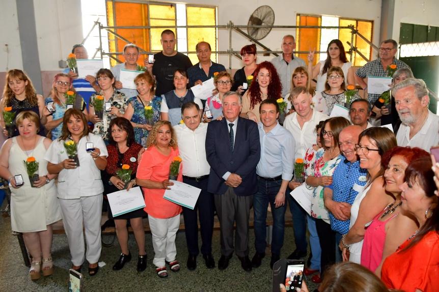 El intendente Andrés Watson otorgó reconocimientos a empleados municipales