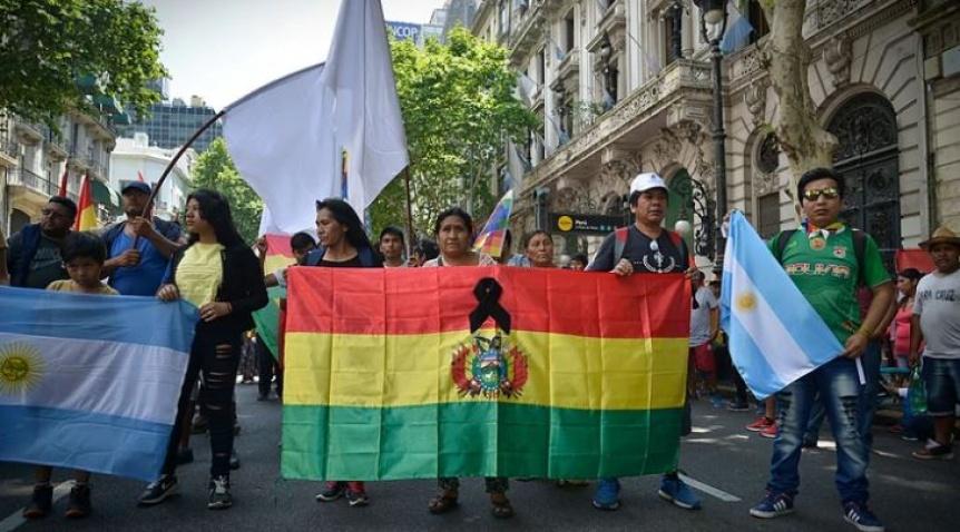 Sindicatos y la izquierda marcharon en Plaza de Mayo en apoyo a Evo Morales