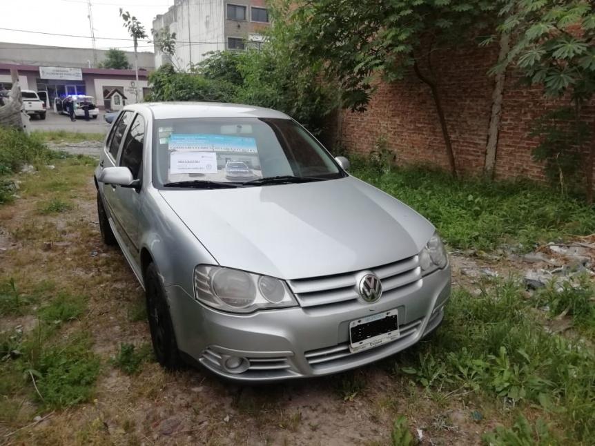 Aprehendieron a joven en un auto robado en cercanías de la Universidad Jauretche