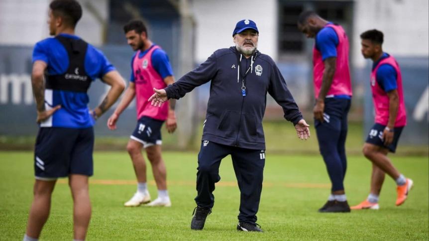 Maradona le anunció a los jugadores que no seguirá al frente del plantel