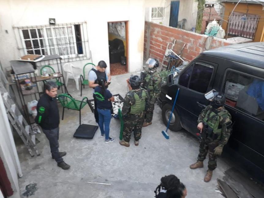 Allanamientos por venta de cocaína y marihuana en Villa Iapi