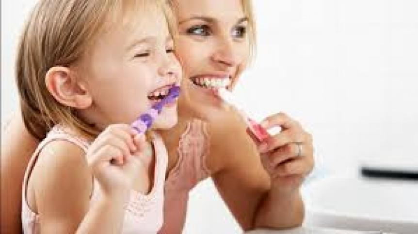 El beneficio desconocido de cepillarse los dientes