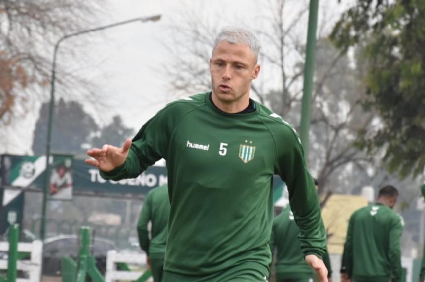 Quilmes negocia la inmediata salida de un futbolista y la llegada de otro