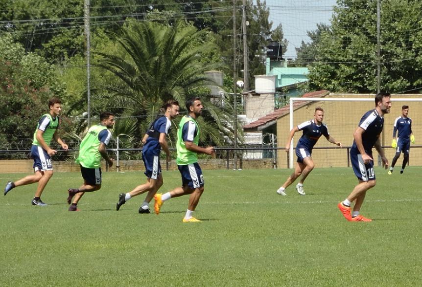 Quilmes se enfrenta a Estudiantes de Caseros en su tercer amistoso