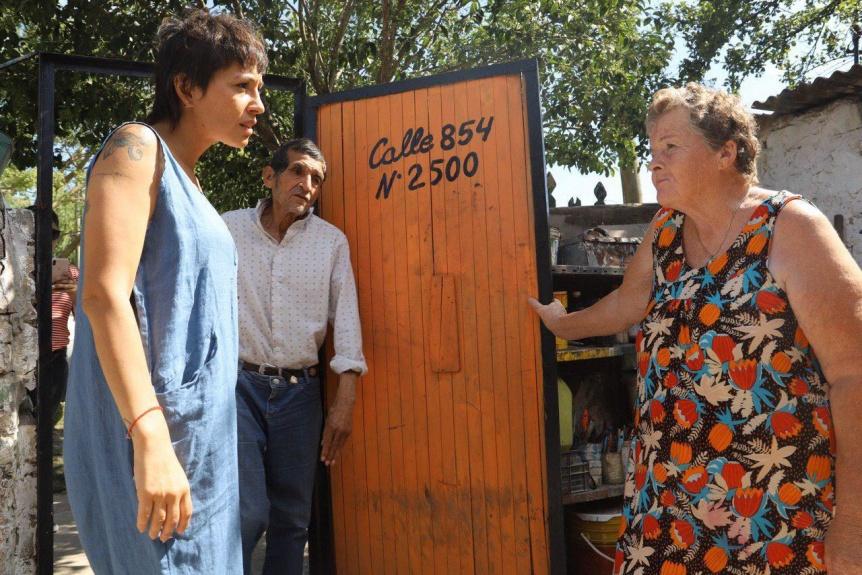 Mayra Mendoza supervisó un nuevo operativo de limpieza en el Parque Lineal de Solano