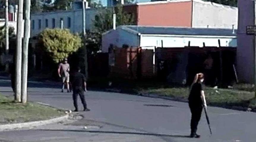 Detienen a un polic�a acusado de asesinar de un balazo de goma a un joven