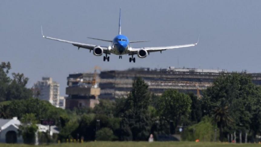 Llegan hoy 10 vuelos de Aerolíneas, con unos 2.000 argentinos desde el exterior