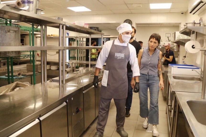 Mendoza visit� la base que funciona en el Parque de la Cervecer�a Quilmes