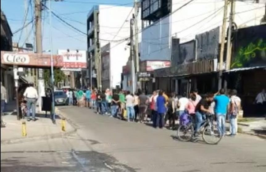 El Municipio de Berazategui intim� a los bancos a impedir amontonamiento en cajeros autom�ticos