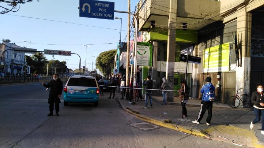 Varela: Realizan gran operativo policial y de tránsito en la zona bancaria