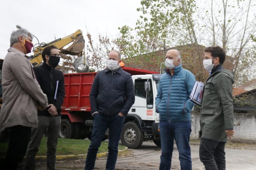 Grindetti e Insaurralde recorrieron obras en la zona limítrofe de Lanús y Lomas