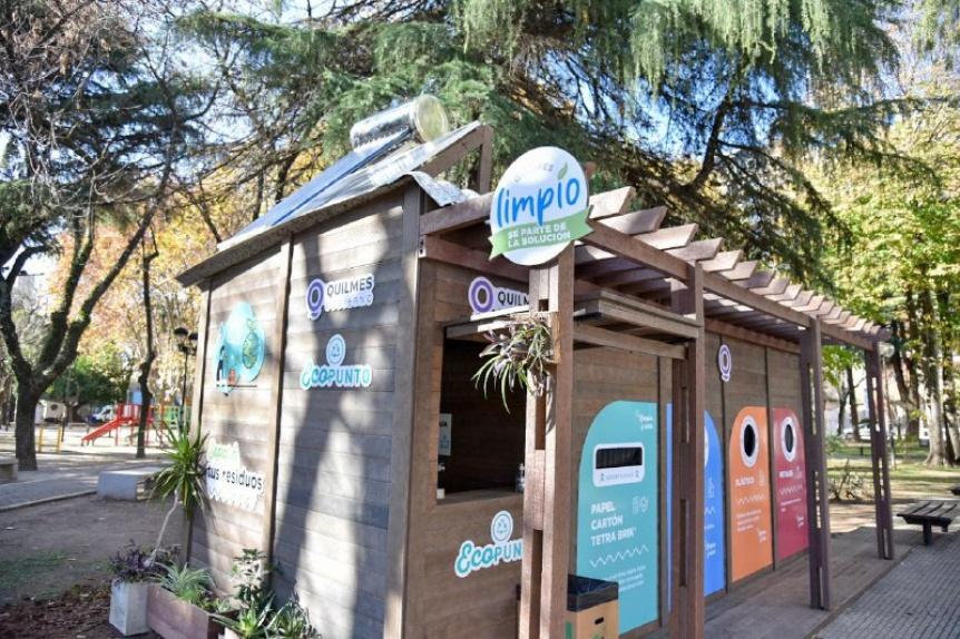 Se inauguró el primer Ecopunto de material 100% reciclado en la plaza Conesa