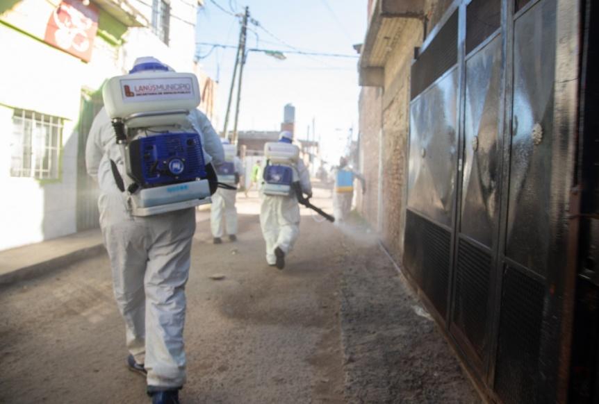 Operativo integral de limpieza y desinfecci�n en el barrio Acuba