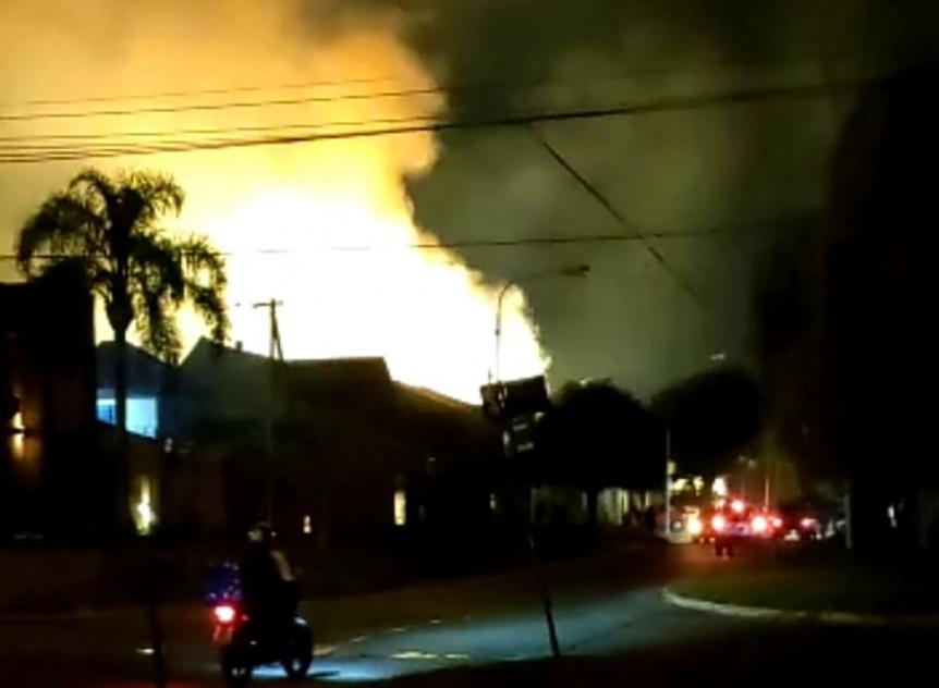 Habrían incendiado dos transformadores eléctricos en Quilmes Oeste