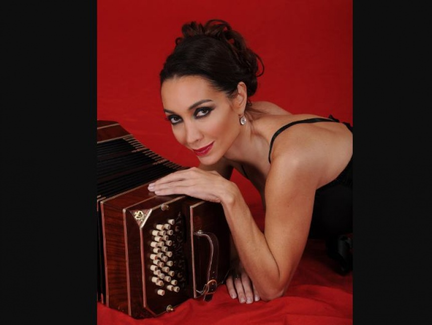 La bailarina Mora Godoy brindará una capacitación en Varela