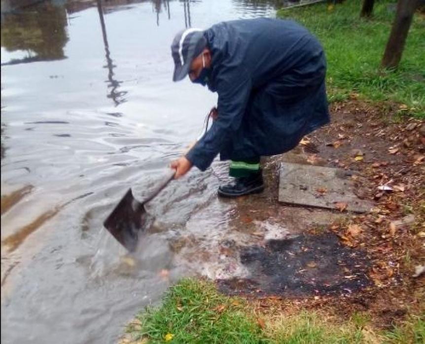Lluvias: Municipio varelense trabajó en los conductos pluviales