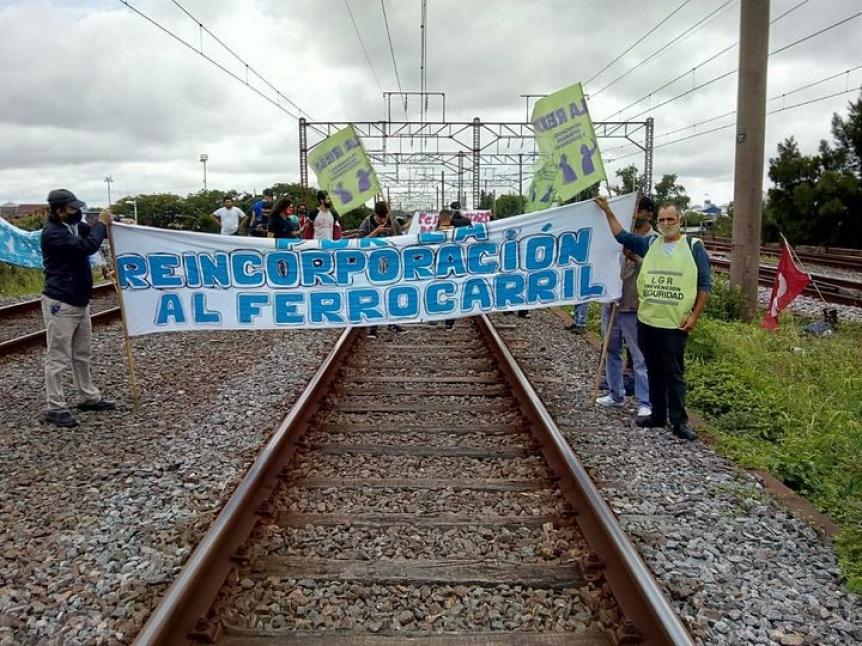 Tren Roca: Piquete en las v�as en Avellaneda por reclamo de despedidos ferroviarios