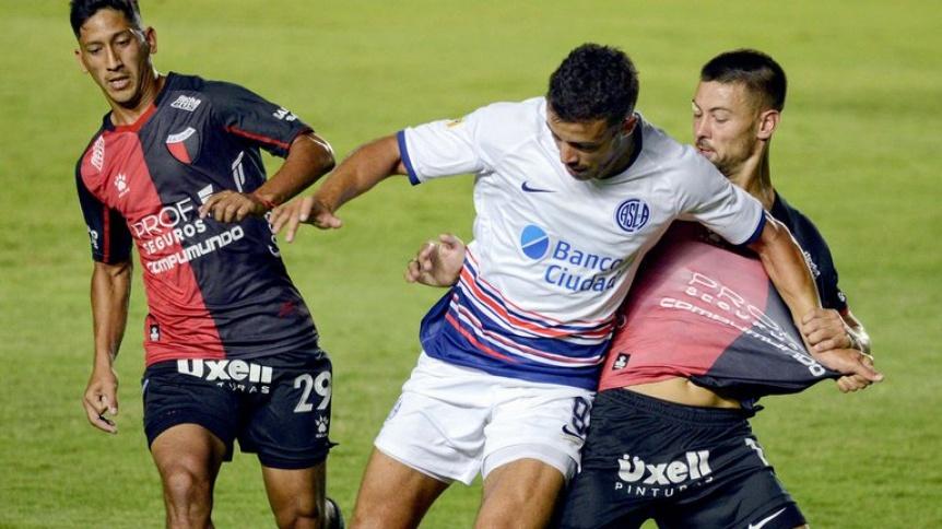 Colón venció a San Lorenzo y es líder del Grupo A