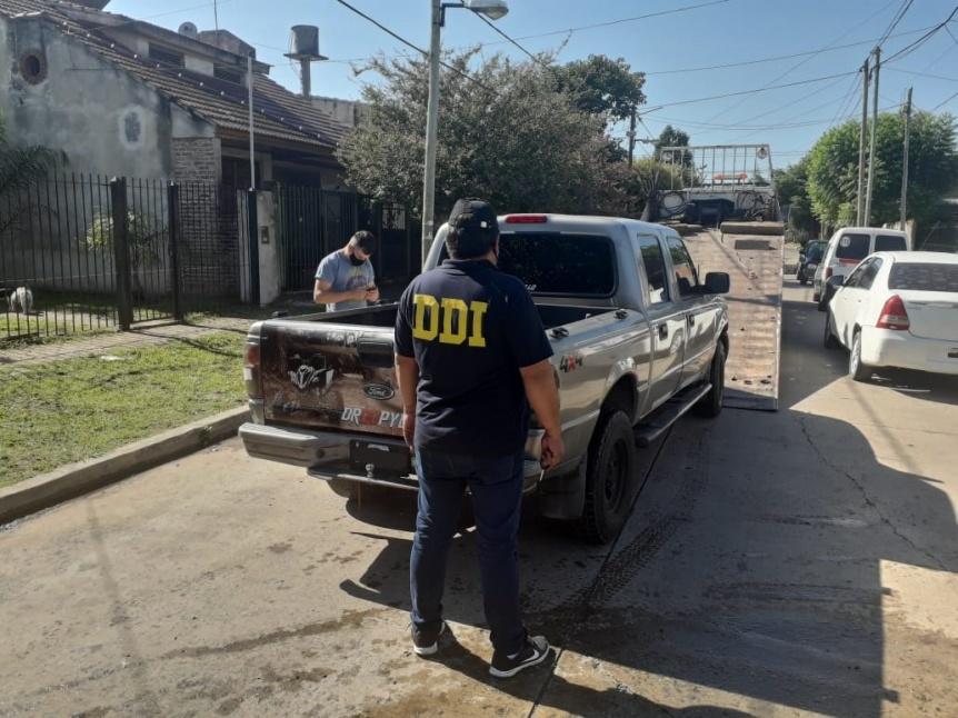 Estafa en Ezpeleta: Vendió su camioneta y le pagaron con un auto robado