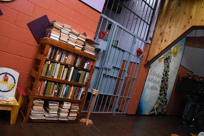 Se inaugur� una biblioteca en una de las c�rceles de Florencio Varela