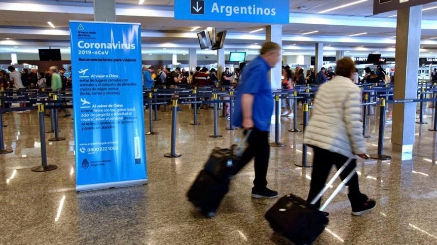 Suspenden desde el sábado los vuelos provenientes de Brasil, Chile y México