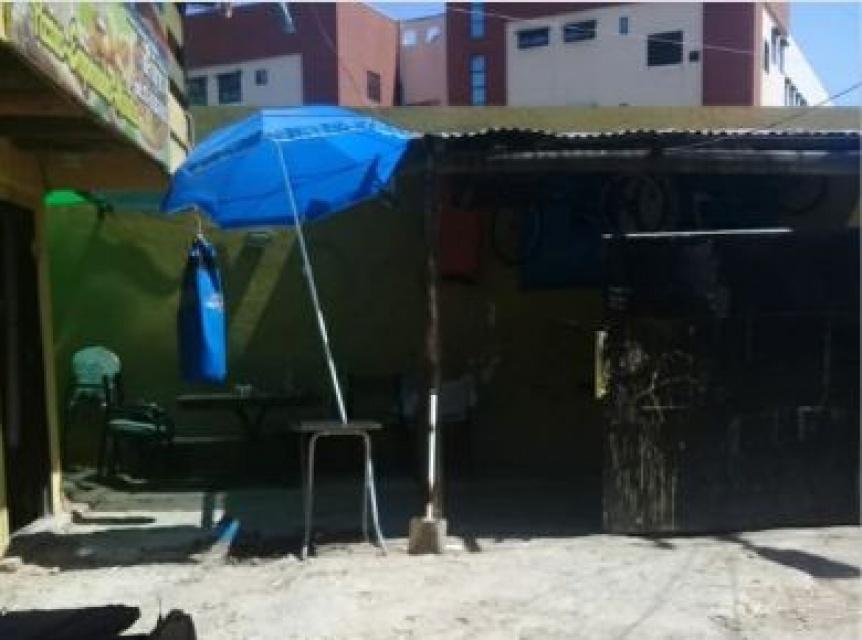 Villa El Monte: Denuncian que un vecino tom� una calle y la anex� a su casa