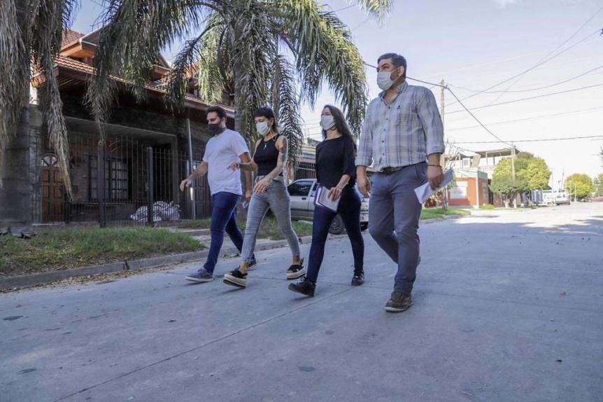 Mayra Mendoza supervis� obras de pavimentaci�n en Quilmes Este