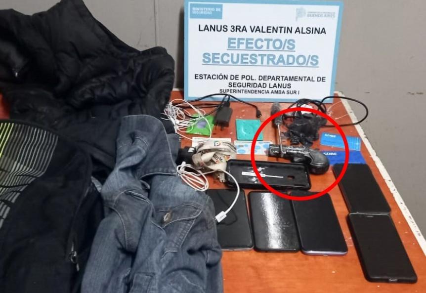 Otro caso de robo con réplica de arma de fuego: Tres detenidos en Lanús Oeste